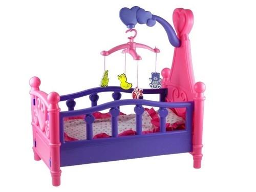Duże łóżeczko dla lalki z karuzelą i pościelą