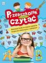 Przedszkolak uczy się czytać. Pierwsze kroki w nauce czytania