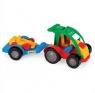 Auto z przyczepą i autkiem