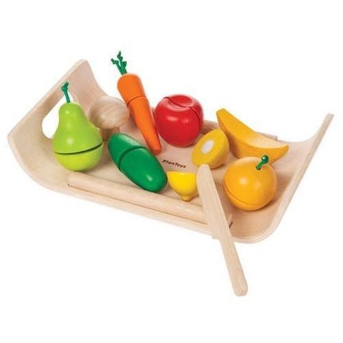 Warzywa i owoce na tacy