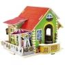 Drewniany dom z meblami