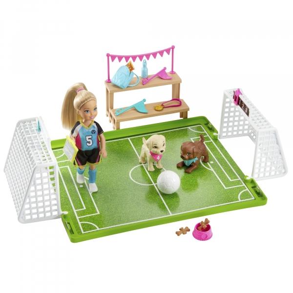 Barbie: Chelsea - boisko do piłki nożnej (GHK37)