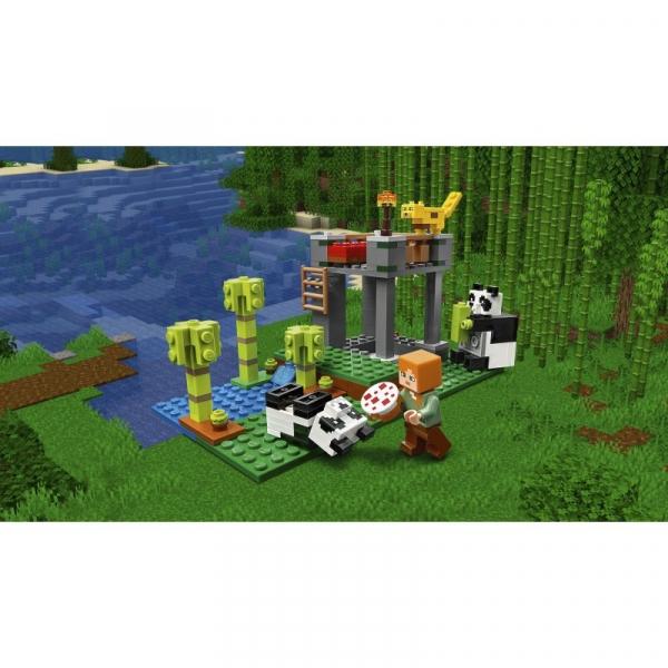 Lego Minecraft: Żłobek dla pand (21158)
