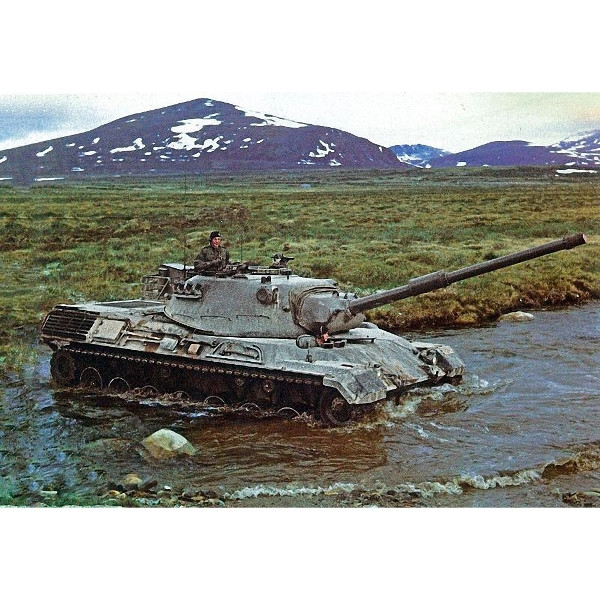 REVELL Leopard 1 (2.4 production batch) (03240)