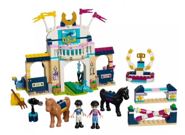 Lego Friends: Skoki przez przeszkody Stephanie (41367)