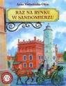 Raz na rynku w Sandomierzu z płytą CD Kwiecińska-Utkin Anna