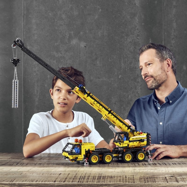 Lego Technic: Żuraw samochodowy (42108)