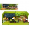 Farma z traktorem