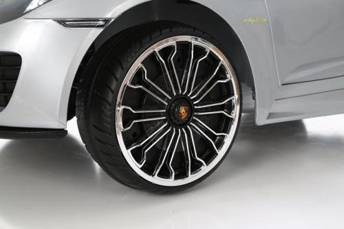 Rollplay Porsche 918 Spyder 6V RC srebrny - samochód elektryczny