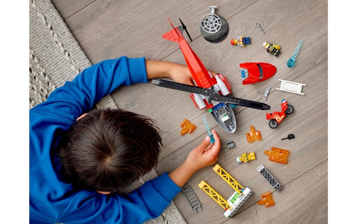 Lego City: Strażacki helikopter ratunkowy (60281)