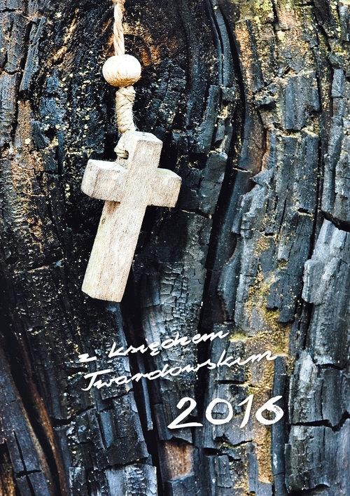 Z księdzem Twardowskim 2016 - Krzyżyk
