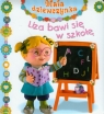 Liza bawi się w szkołę Mała dziewczynka Emilie Beaumont, Nathalie Belineau, Christelle Mekdjian
