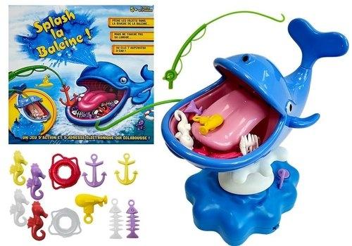 Wodny Wieloryb pryskający wodą