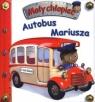 Mały chłopiec. Autobus Mariusza