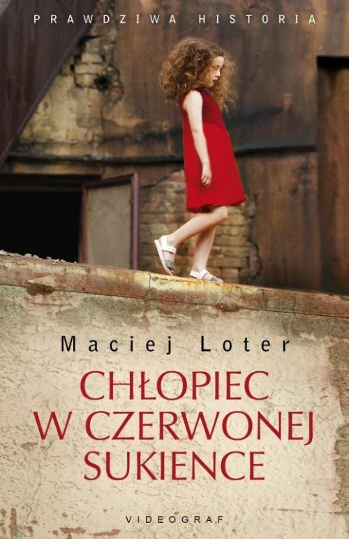 Chłopiec w czerwonej sukience Loter Maciej