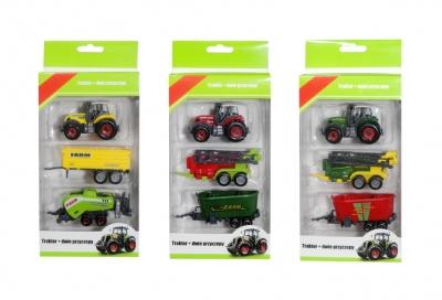 Traktor z dwoma przyczepami