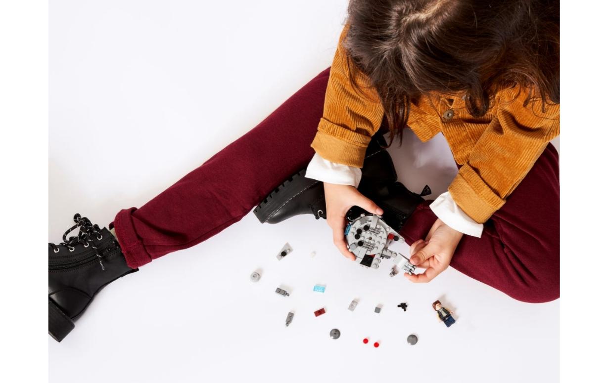 Lego Star Wars: Mikromyśliwiec Sokół Millennium (75295)