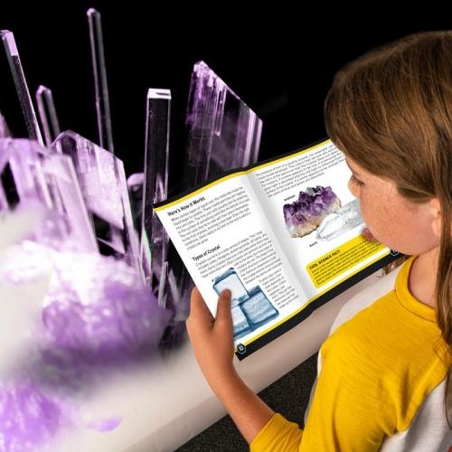 National Geographic Laboratorium do hodowli purpurowego kryształu