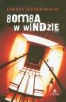 Bomba w windzie Gołębiewski Łukasz