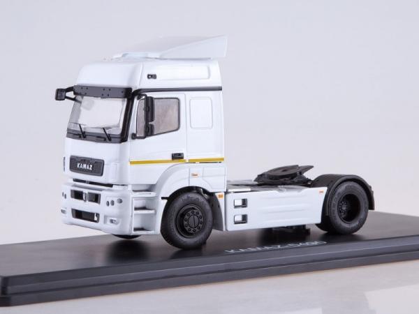 KAMAZ-5490 Tractor Truck (white) (SSM1274)
