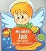 Aniołek Jaś uczy dzieci przykazań Bożych.