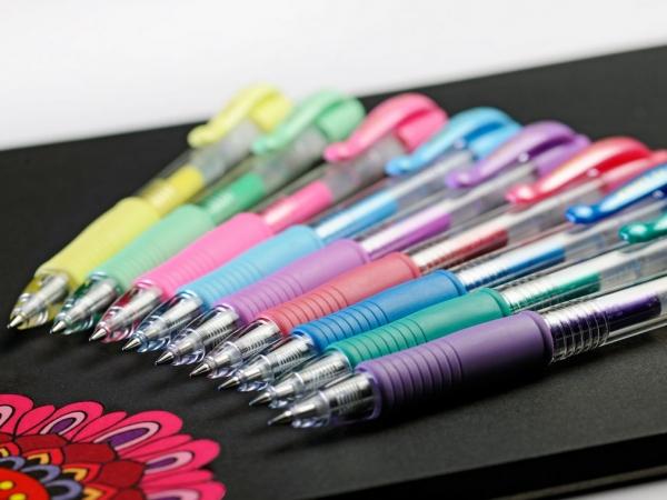 Długopis żelowy Pilot G-2 Metallic różowy (BL-G2-7-MP)