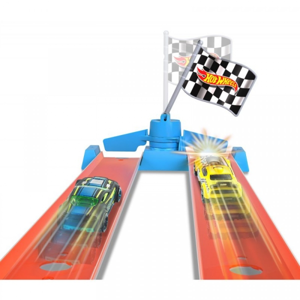 Hot Wheels: Rywalizacja Mistrzów - Mistrzostwa Dragstrip (GBF82)