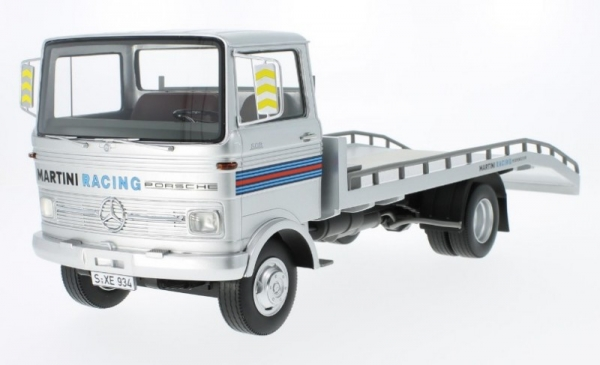 Mercedes-Benz LP 608 Martini Tow Truck (30045)