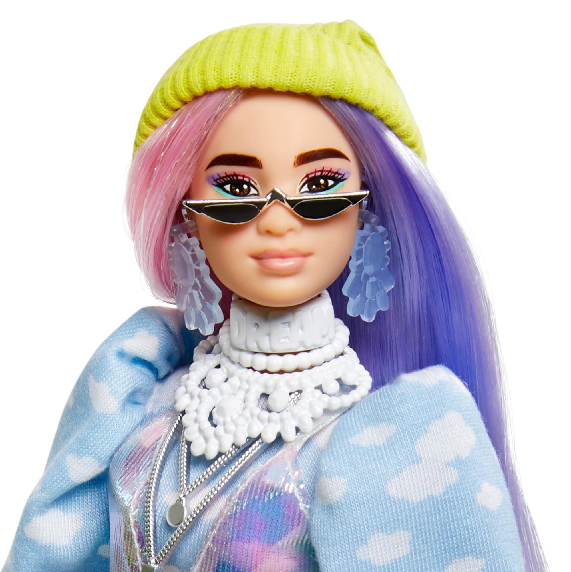 Barbie Extra: Modna lalka z zieloną czapką (GRN27/GVR05)