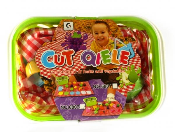 Warzywa i owoce do krojenia w koszyku (CA045347)