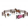 Zestaw padok z koniem źrebakiem i akcesoriami - 42192